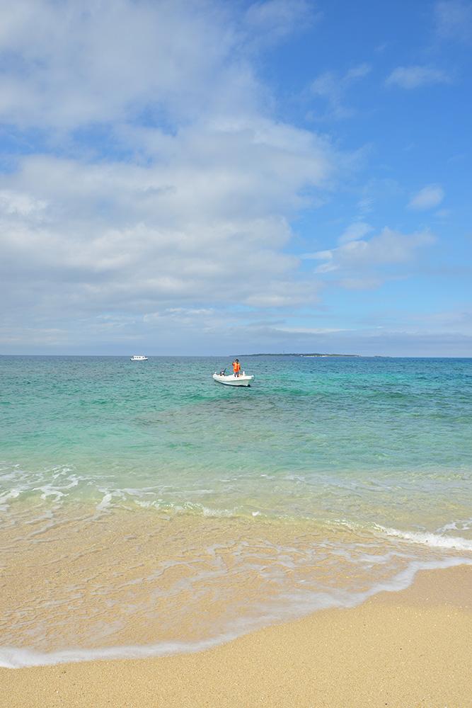 コナカ島 きれいな海