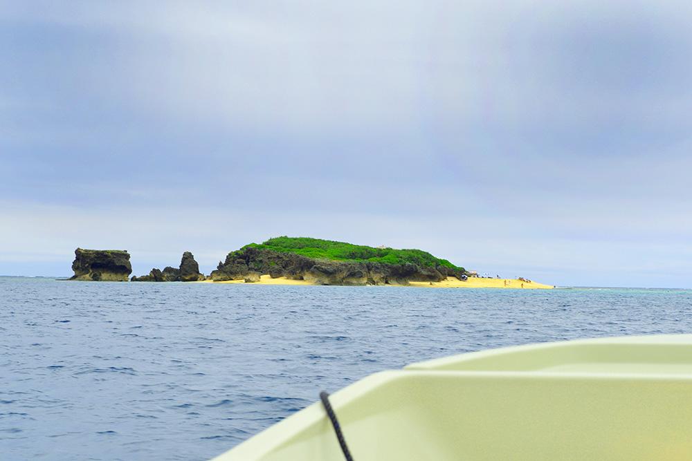 コマカ島へ船で