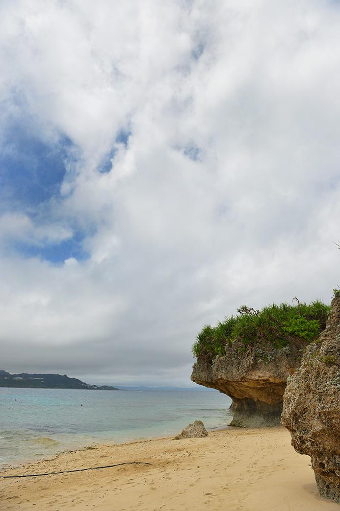コマカ島 海と岩の景色