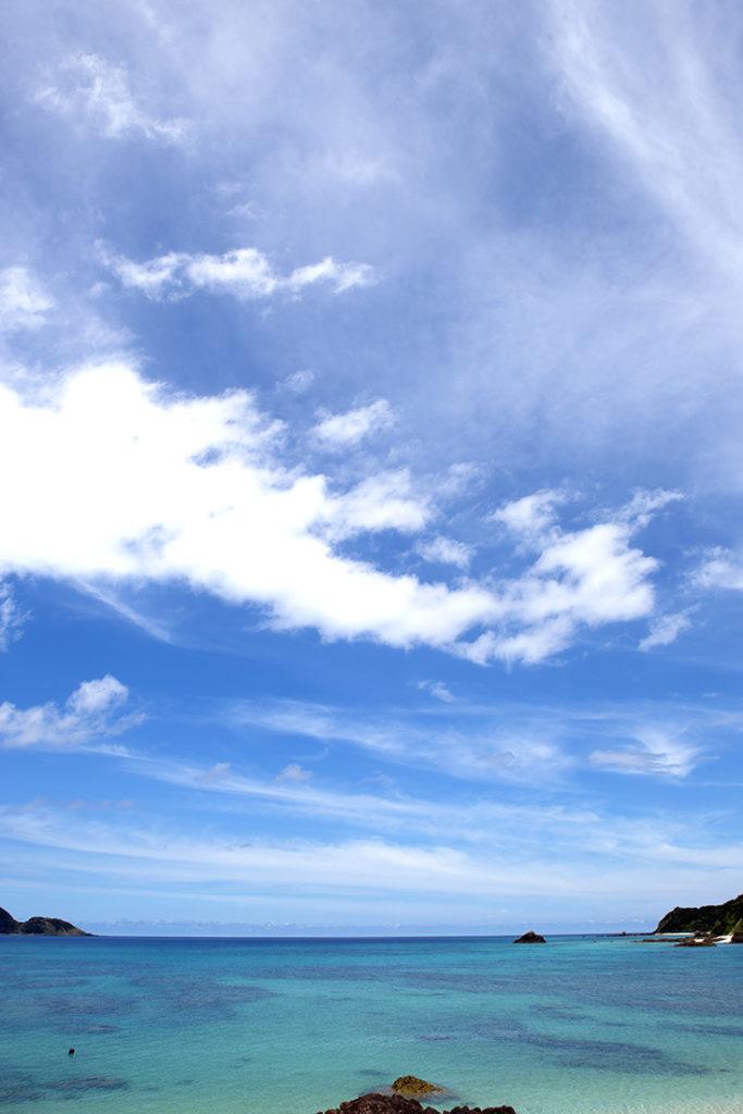紺碧の海と空